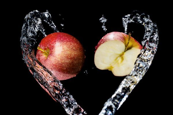 Apples In A Water Heart – Designer Splashback