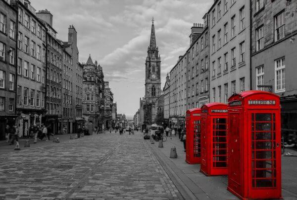 Edinburgh Red Telephone Boxes – Designer Splashback
